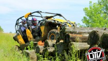 2014-can-am-maverick-utvunderground.com011