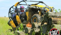 2014-can-am-maverick-utvunderground.com012