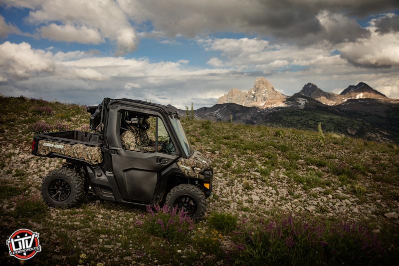 Defender XT CAB Camo - Trail riding 2-utvunderground