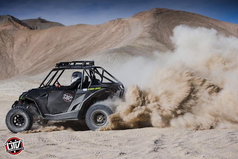 2016-feature-vehicle-can-am-maverick-xds-turbo-utvunderground.com002