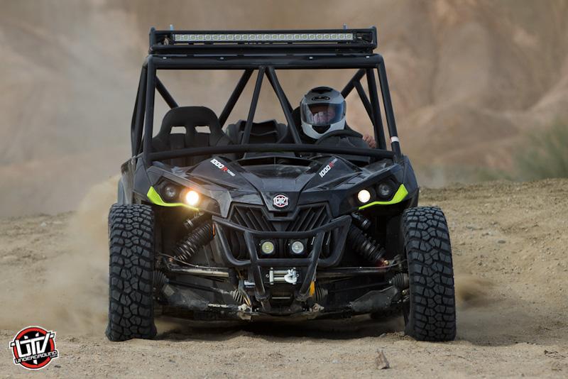 2016-feature-vehicle-can-am-maverick-xds-turbo-utvunderground.com017