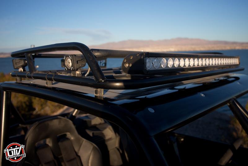 2016-feature-vehicle-can-am-maverick-xds-turbo-utvunderground.com038