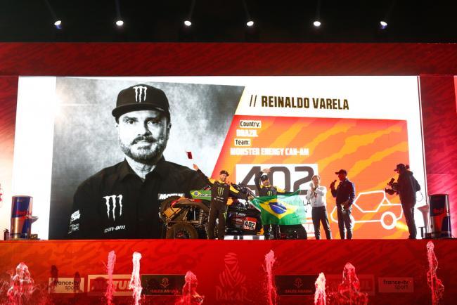 402 Varela Reinaldo (bra), Gugelmin Gustavo (bra), Can-Am, Monster Energy Can-Am, SSV, Motul, action during the departure ceremony of the 2020 Dakar in Jeddah, Saudi Arabia on January 4, 2020 - Photo Julien Delfosse / DPPI
