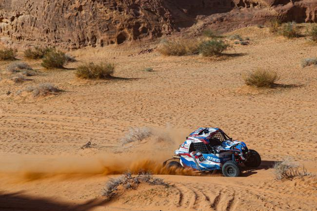 411 Kariakin Sergei (rus), Vlasiuk Anton (rus), BRP, Snag Racing Team, SSV, action during Stage 5 of the Dakar 2020 between Al Ula and Ha'il, 563 km - SS 353 km, in Saudi Arabia, on January 9, 2020 - Photo Frederic Le Floc'h / DPPI