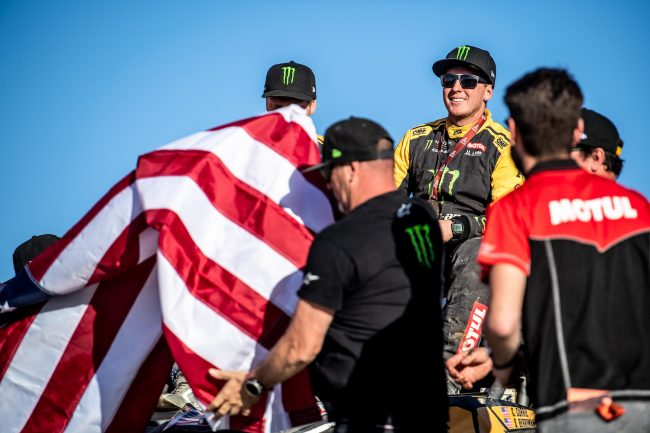 Casey Currie team after winning 2020 Dakar Rally SSV Class