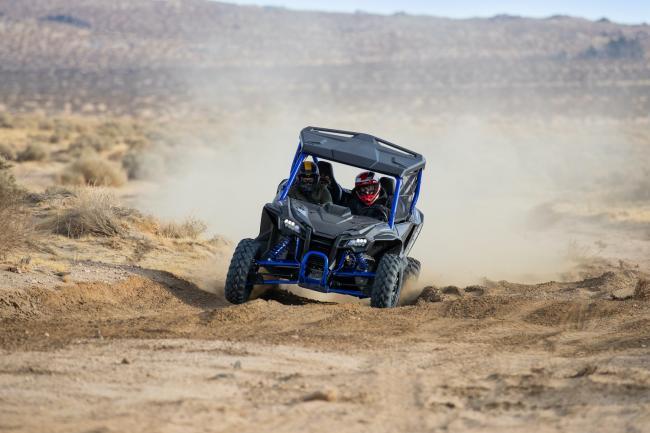 Honda Talon 1000R FOX Live Valve in the desert