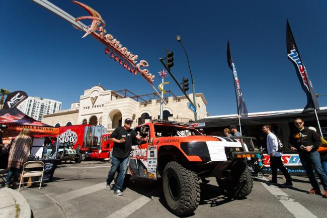 action sports canopies joins mint 400 sponsor family2