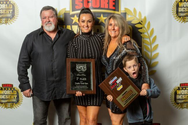sara price family photo