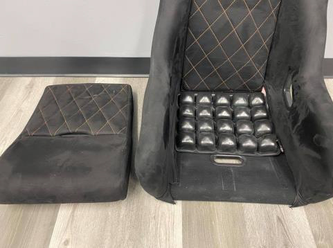 2021 speed UTV seat pad on the seat without a cover