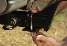 anti rattle hitch tightener rhino usa 004