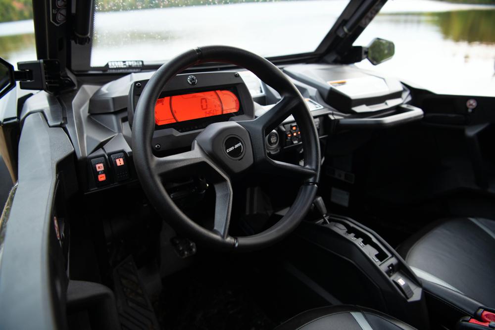 Commander XT 2021 Timeless Black Unit Cab